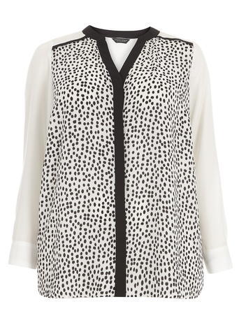 Womens **Dp Curve Black And White Spotted Top Black - style: blouse; predominant colour: white; secondary colour: black; occasions: casual, creative work; length: standard; neckline: collarstand & mandarin with v-neck; fibres: polyester/polyamide - 100%; fit: straight cut; sleeve length: long sleeve; sleeve style: standard; trends: monochrome; pattern type: fabric; pattern size: standard; pattern: patterned/print; texture group: woven light midweight; season: s/s 2016; wardrobe: highlight