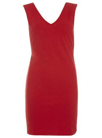 Womens **Vero Moda Red V Neck Shift Dress Red - style: shift; length: mid thigh; neckline: v-neck; pattern: plain; sleeve style: sleeveless; predominant colour: true red; occasions: evening; fit: body skimming; fibres: viscose/rayon - 100%; sleeve length: sleeveless; pattern type: fabric; texture group: jersey - stretchy/drapey; season: s/s 2016; wardrobe: event