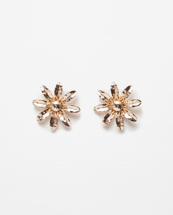 Floral Earrings - predominant colour: gold; occasions: casual, work, creative work; style: stud; length: short; size: small/fine; material: chain/metal; fastening: pierced; finish: metallic; season: s/s 2016
