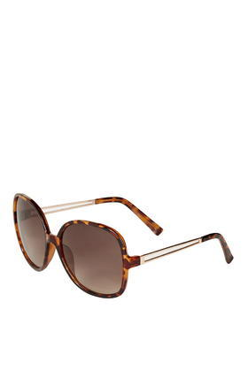 Pru Portugal Sunglasses - predominant colour: chocolate brown; occasions: casual, holiday; style: round; size: large; material: plastic/rubber; pattern: tortoiseshell; finish: plain; season: s/s 2016