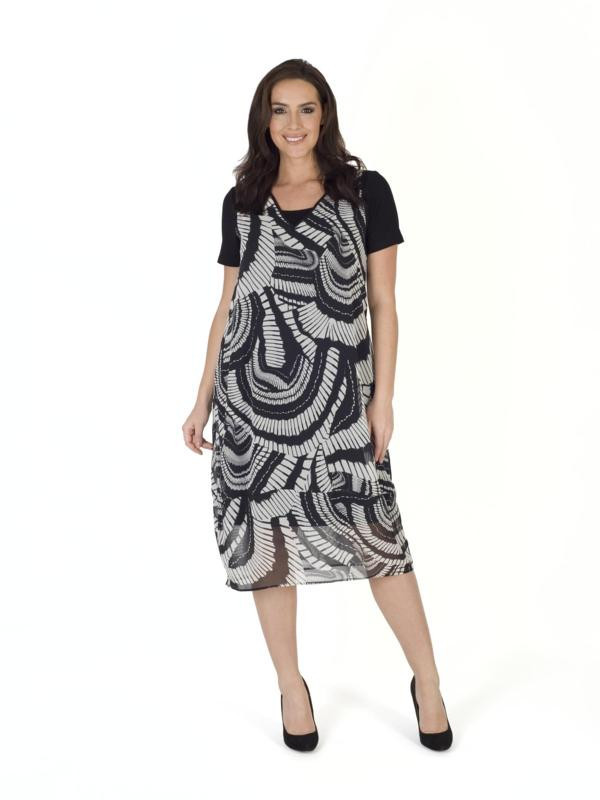 Black/White Short Sleeve Printed Dress - style: shift; length: below the knee; secondary colour: light grey; predominant colour: black; occasions: evening; fit: body skimming; fibres: polyester/polyamide - 100%; neckline: crew; sleeve length: short sleeve; sleeve style: standard; texture group: sheer fabrics/chiffon/organza etc.; pattern type: fabric; pattern: patterned/print; multicoloured: multicoloured; season: s/s 2016; wardrobe: event