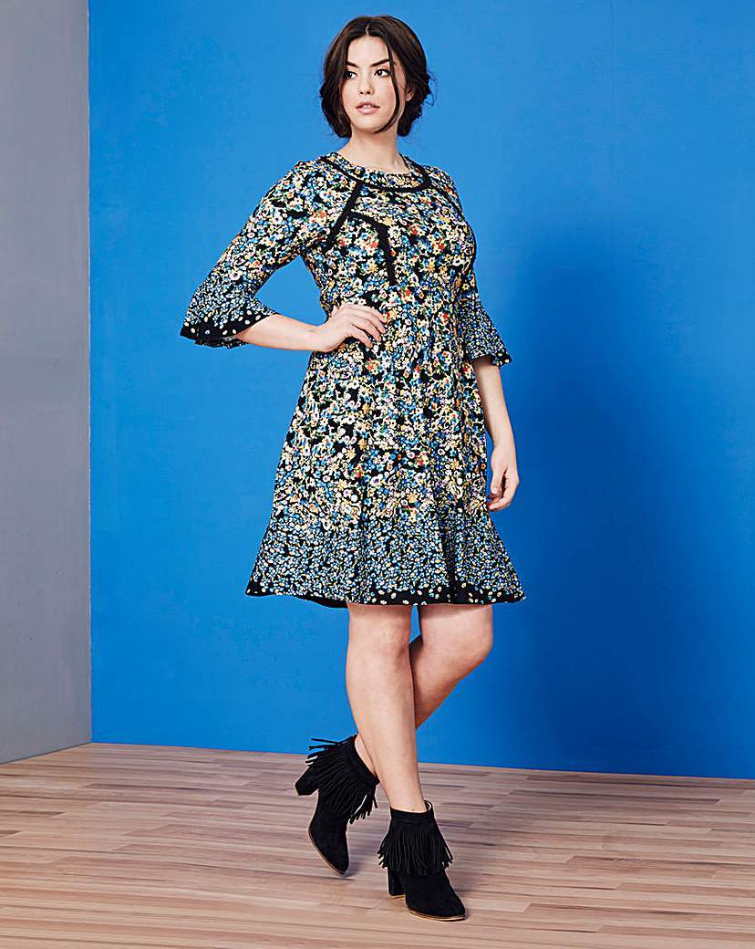 Lace Trim Patchwork Print Dres - neckline: round neck; sleeve style: raglan; predominant colour: diva blue; occasions: casual, creative work; length: on the knee; fit: fitted at waist & bust; style: fit & flare; fibres: viscose/rayon - stretch; sleeve length: 3/4 length; pattern type: fabric; pattern size: standard; pattern: patterned/print; texture group: jersey - stretchy/drapey; multicoloured: multicoloured; season: s/s 2016; wardrobe: highlight