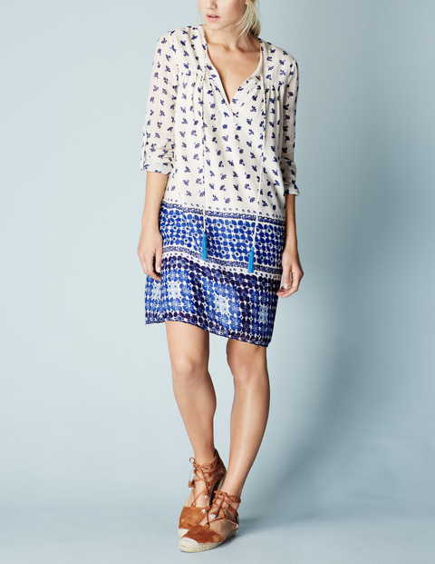 Relaxed Boho Dress Ivory/Blue Daisy Spot Women, Ivory/Blue Daisy Spot - style: tunic; neckline: v-neck; predominant colour: ivory/cream; secondary colour: royal blue; occasions: casual; length: just above the knee; fit: straight cut; fibres: cotton - mix; sleeve length: 3/4 length; sleeve style: standard; texture group: cotton feel fabrics; pattern type: fabric; pattern: patterned/print; season: s/s 2016; wardrobe: highlight