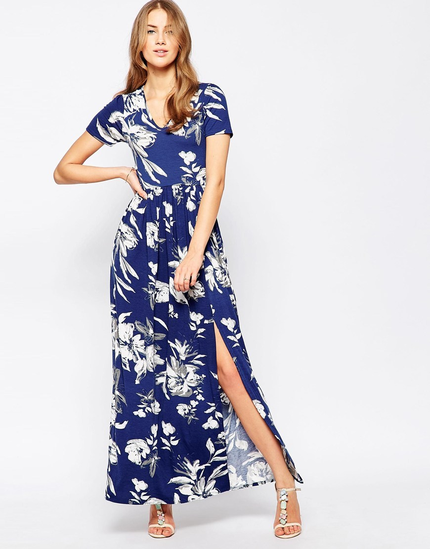 Maxi Dress With Front Split In Large Floral Print Navy - neckline: v-neck; style: maxi dress; length: ankle length; predominant colour: royal blue; fit: fitted at waist & bust; fibres: viscose/rayon - stretch; occasions: occasion; sleeve length: short sleeve; sleeve style: standard; pattern type: fabric; pattern size: standard; pattern: florals; texture group: jersey - stretchy/drapey; season: s/s 2016; wardrobe: event