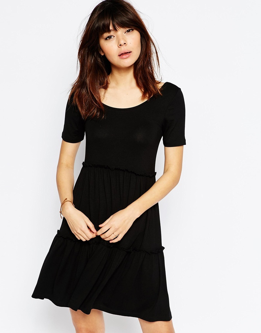 Tiered Swing Dress With Short Sleeves Black - pattern: plain; predominant colour: black; occasions: casual; length: just above the knee; fit: fitted at waist & bust; style: fit & flare; neckline: scoop; fibres: viscose/rayon - stretch; sleeve length: short sleeve; sleeve style: standard; pattern type: fabric; texture group: jersey - stretchy/drapey; season: s/s 2016; wardrobe: basic