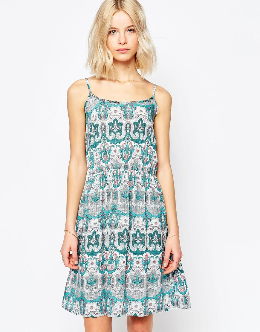 Paisley Print Sun Dress Jade - sleeve style: spaghetti straps; style: sundress; predominant colour: white; secondary colour: turquoise; occasions: casual; length: on the knee; fit: body skimming; neckline: scoop; fibres: viscose/rayon - 100%; sleeve length: sleeveless; pattern type: fabric; pattern: patterned/print; texture group: other - light to midweight; multicoloured: multicoloured; season: s/s 2016; wardrobe: highlight