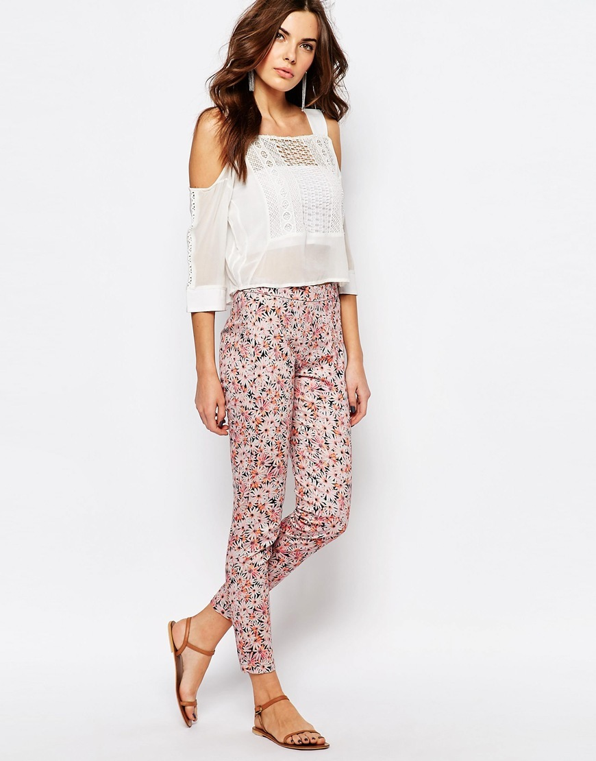 Skinny Trousers In Bacongo Daisy Print Pink - waist: high rise; predominant colour: pink; occasions: casual; length: ankle length; fibres: cotton - stretch; fit: skinny/tight leg; pattern type: fabric; pattern: patterned/print; texture group: other - light to midweight; style: standard; pattern size: standard (bottom); multicoloured: multicoloured; season: s/s 2016; wardrobe: highlight