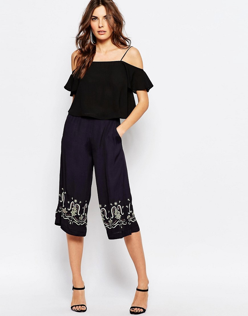 Casa Tile Embellished Culottes Utility Blue - waist: high rise; secondary colour: white; predominant colour: navy; fibres: polyester/polyamide - 100%; texture group: crepes; pattern type: fabric; pattern: patterned/print; embellishment: embroidered; occasions: creative work; pattern size: light/subtle (bottom); season: s/s 2016; style: shorts; length: below the knee; fit: standard; wardrobe: highlight