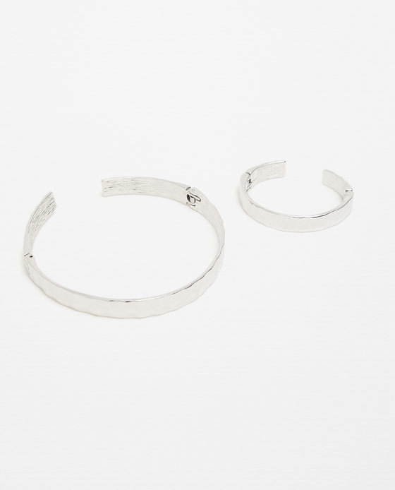 Rigid Choker And Adjustable Bracelets Pack - predominant colour: silver; occasions: evening, creative work; style: choker/collar/torque; length: choker; size: standard; material: chain/metal; finish: metallic; season: s/s 2016; wardrobe: highlight