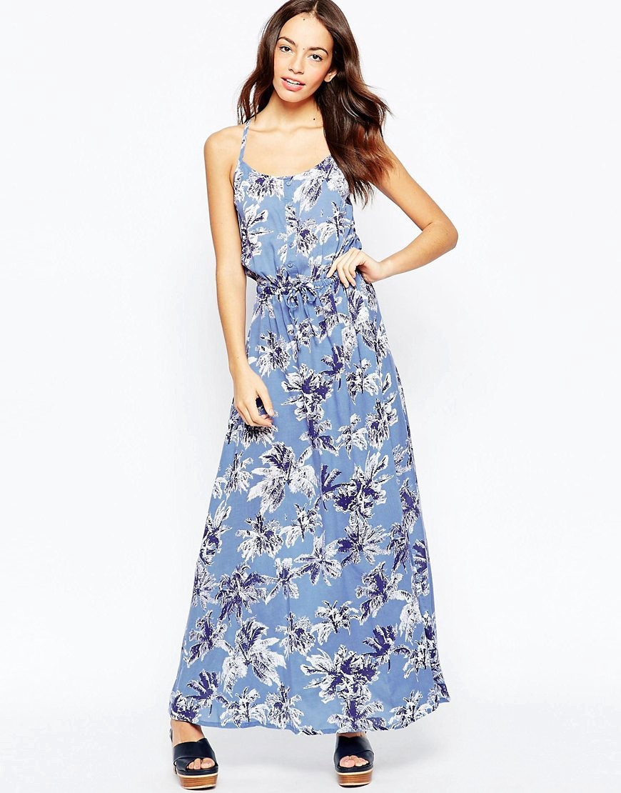 Maxi Dress In Palm Print Blue - sleeve style: spaghetti straps; fit: fitted at waist; style: maxi dress; length: ankle length; waist detail: elasticated waist; predominant colour: pale blue; secondary colour: navy; occasions: casual; neckline: scoop; fibres: viscose/rayon - 100%; sleeve length: sleeveless; pattern type: fabric; pattern size: standard; pattern: florals; texture group: woven light midweight; season: s/s 2016