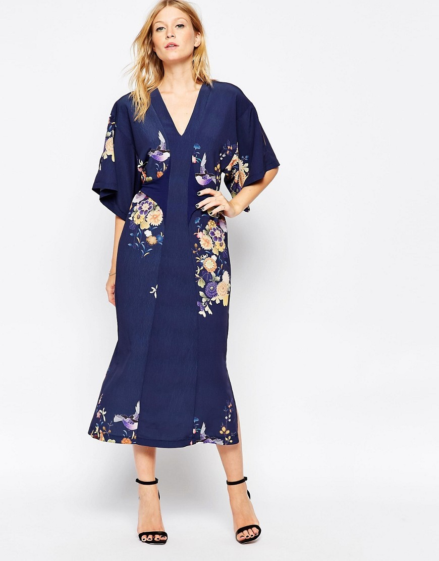 Midi Kimono Dress In Digital Eastern Print Blue Oriental - length: calf length; neckline: v-neck; sleeve style: dolman/batwing; style: kaftan; back detail: tie at back; predominant colour: navy; fit: body skimming; fibres: polyester/polyamide - 100%; occasions: occasion; sleeve length: half sleeve; pattern type: fabric; pattern size: standard; pattern: florals; texture group: other - light to midweight; season: s/s 2016; trends: vintage chic; wardrobe: event