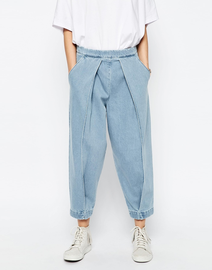 Mom Jeans With Front Pleat Detail Blue - pattern: plain; style: baggy; waist: mid/regular rise; predominant colour: pale blue; occasions: casual; length: ankle length; fibres: cotton - 100%; jeans detail: washed/faded; texture group: denim; pattern type: fabric; season: s/s 2016; wardrobe: basic