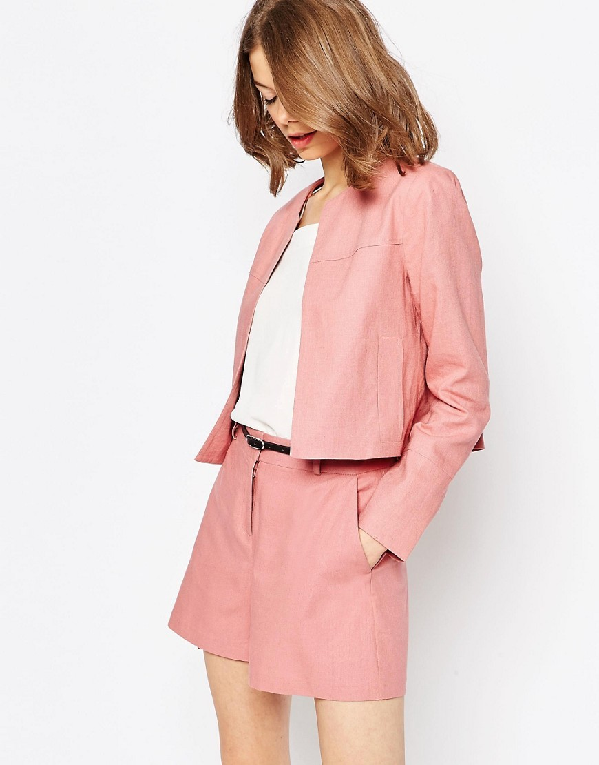 Crop Blazer In Linen Cosmetic Pink - pattern: plain; style: single breasted blazer; collar: round collar/collarless; predominant colour: pink; occasions: casual, creative work; fit: straight cut (boxy); fibres: linen - mix; sleeve length: long sleeve; sleeve style: standard; collar break: low/open; pattern type: fabric; pattern size: standard; texture group: woven light midweight; length: cropped; season: s/s 2016; wardrobe: highlight