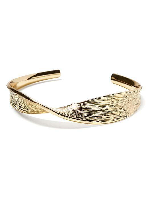 Twist Cuff Bracelet Gold - predominant colour: gold; occasions: casual, creative work; style: cuff; size: standard; material: chain/metal; finish: metallic; season: s/s 2016