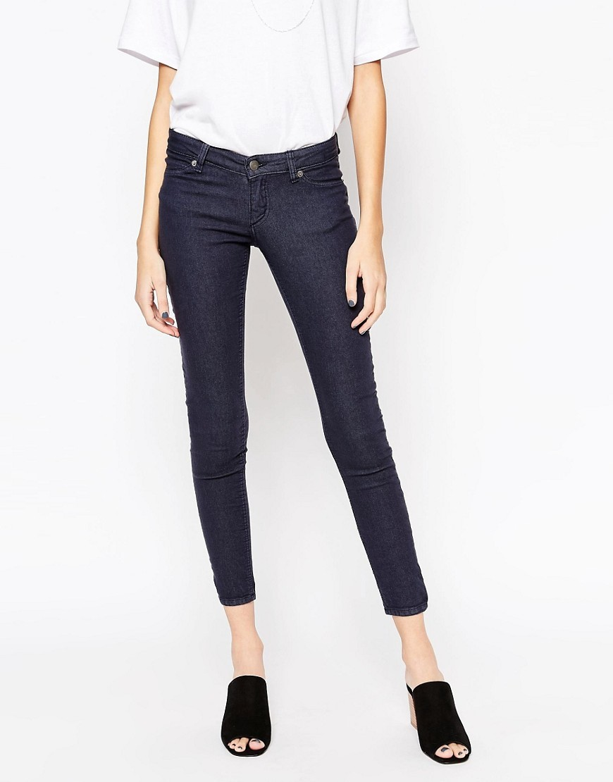 Low Spray Jeans Truth Blue - style: skinny leg; pattern: plain; pocket detail: traditional 5 pocket; waist: mid/regular rise; predominant colour: navy; occasions: casual; length: calf length; fibres: cotton - stretch; texture group: denim; pattern type: fabric; season: s/s 2016; wardrobe: basic