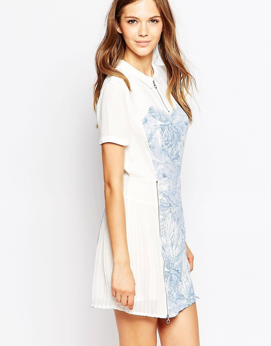 Flight Of Fancy Flared Shirt Dress Wht/Tampabaymulti - style: shirt; length: mid thigh; neckline: shirt collar/peter pan/zip with opening; predominant colour: white; secondary colour: pale blue; occasions: casual; fit: fitted at waist & bust; fibres: viscose/rayon - 100%; sleeve length: short sleeve; sleeve style: standard; pattern type: fabric; pattern: florals; texture group: woven light midweight; multicoloured: multicoloured; season: s/s 2016; wardrobe: highlight; embellishment: contrast fabric; embellishment location: skirt, top