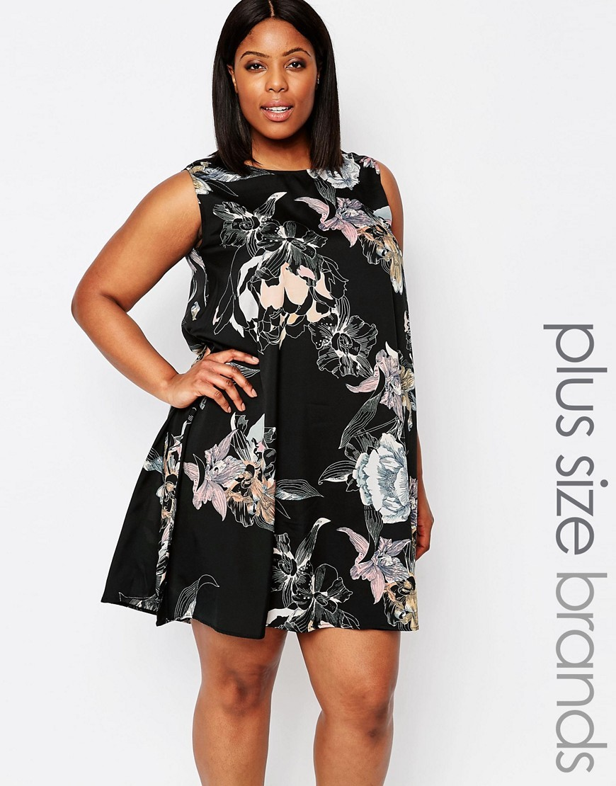 Plus Swing Dress In Floral Print Black Floral - style: trapeze; length: mid thigh; fit: loose; sleeve style: sleeveless; secondary colour: ivory/cream; predominant colour: black; fibres: polyester/polyamide - 100%; occasions: occasion; neckline: crew; sleeve length: sleeveless; pattern type: fabric; pattern size: standard; pattern: florals; texture group: other - light to midweight; season: s/s 2016