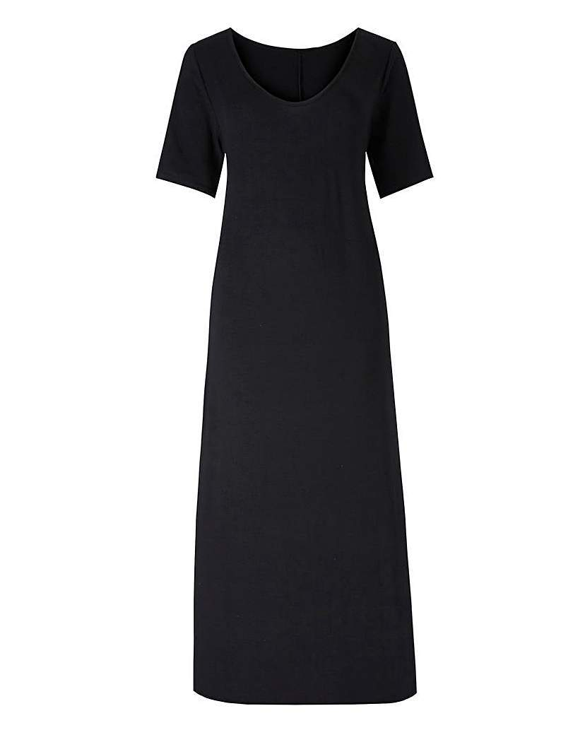 Black Jersey Maxi T Shirt Dress - style: t-shirt; length: calf length; pattern: plain; predominant colour: black; occasions: casual; fit: body skimming; neckline: scoop; fibres: cotton - stretch; sleeve length: short sleeve; sleeve style: standard; pattern type: fabric; texture group: jersey - stretchy/drapey; season: s/s 2016; wardrobe: basic