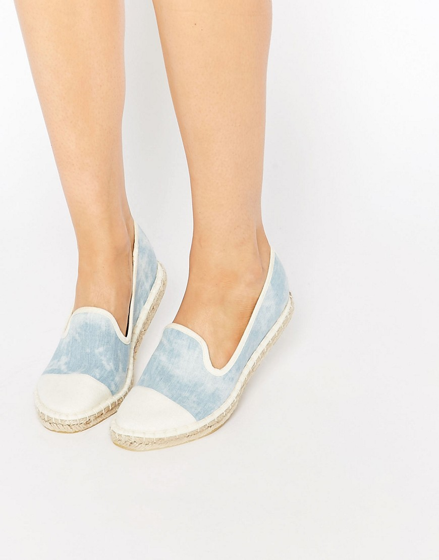 Jazzlyn Espadrilles Chambray Wash - secondary colour: ivory/cream; predominant colour: pale blue; occasions: casual, holiday; material: fabric; heel height: flat; toe: pointed toe; finish: plain; pattern: colourblock; shoe detail: moulded soul; style: skate shoes; season: s/s 2016; wardrobe: highlight