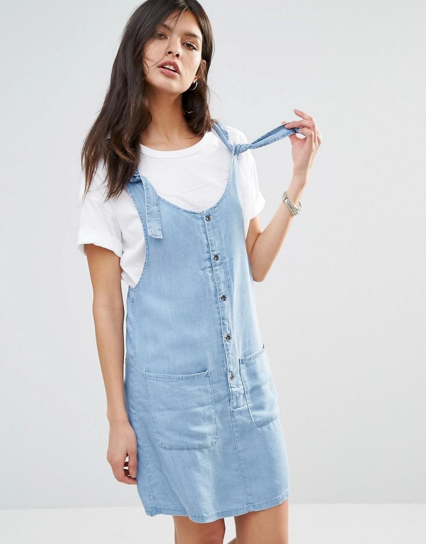 Pocket Front Denim Dress Blue - length: mid thigh; pattern: plain; sleeve style: sleeveless; style: dungaree dress/pinafore; predominant colour: pale blue; occasions: casual; fit: body skimming; neckline: scoop; fibres: cotton - stretch; sleeve length: sleeveless; texture group: denim; pattern type: fabric; season: s/s 2016; wardrobe: highlight