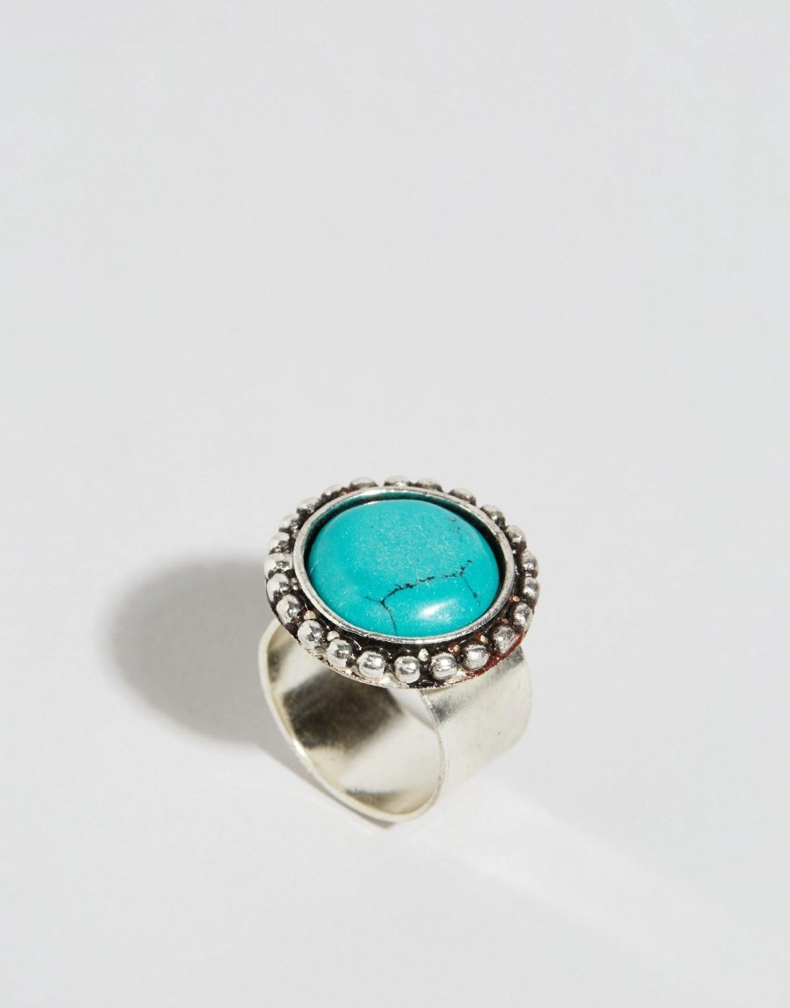 Stone Disc Ring Turquoise - predominant colour: turquoise; secondary colour: silver; occasions: evening, occasion, creative work; style: cocktail; size: large/oversized; material: chain/metal; finish: metallic; embellishment: beading; season: s/s 2016; wardrobe: highlight