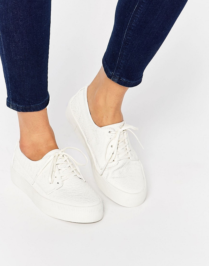 Drummer Snake Lace Up Trainers White - predominant colour: white; occasions: casual, creative work; material: fabric; heel height: flat; toe: round toe; style: trainers; finish: plain; pattern: plain; shoe detail: platform; season: s/s 2016