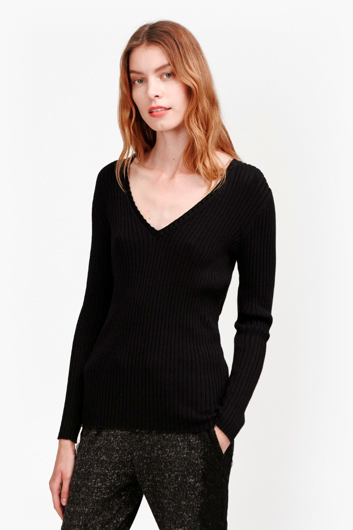 Bambino Rib V Neck Jumper Ballet Belle Blush - neckline: low v-neck; pattern: plain; style: standard; predominant colour: black; occasions: casual; length: standard; fibres: cotton - mix; fit: slim fit; sleeve length: long sleeve; sleeve style: standard; texture group: knits/crochet; pattern type: knitted - fine stitch; season: s/s 2016; wardrobe: basic