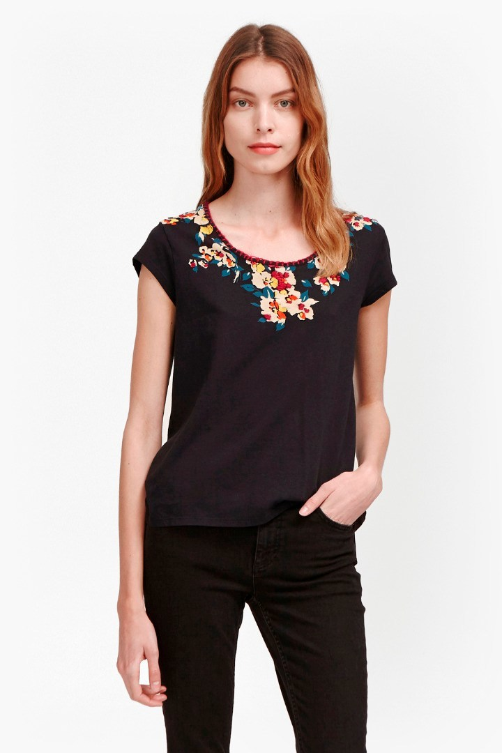 River Daisy Printed Stitch Neck T Shirt Black Multi - neckline: round neck; style: t-shirt; secondary colour: ivory/cream; predominant colour: black; occasions: casual; length: standard; fibres: cotton - 100%; fit: body skimming; sleeve length: short sleeve; sleeve style: standard; pattern type: fabric; pattern: florals; texture group: jersey - stretchy/drapey; embellishment: embroidered; multicoloured: multicoloured; season: s/s 2016