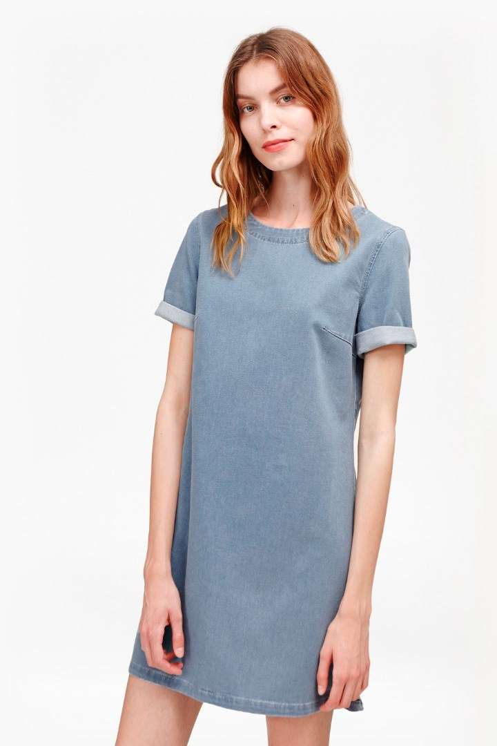 Dina Denim T Shirt Dress Bleach - style: t-shirt; length: mid thigh; pattern: plain; predominant colour: pale blue; occasions: casual; fit: body skimming; fibres: cotton - stretch; neckline: crew; sleeve length: short sleeve; sleeve style: standard; texture group: denim; pattern type: fabric; season: s/s 2016