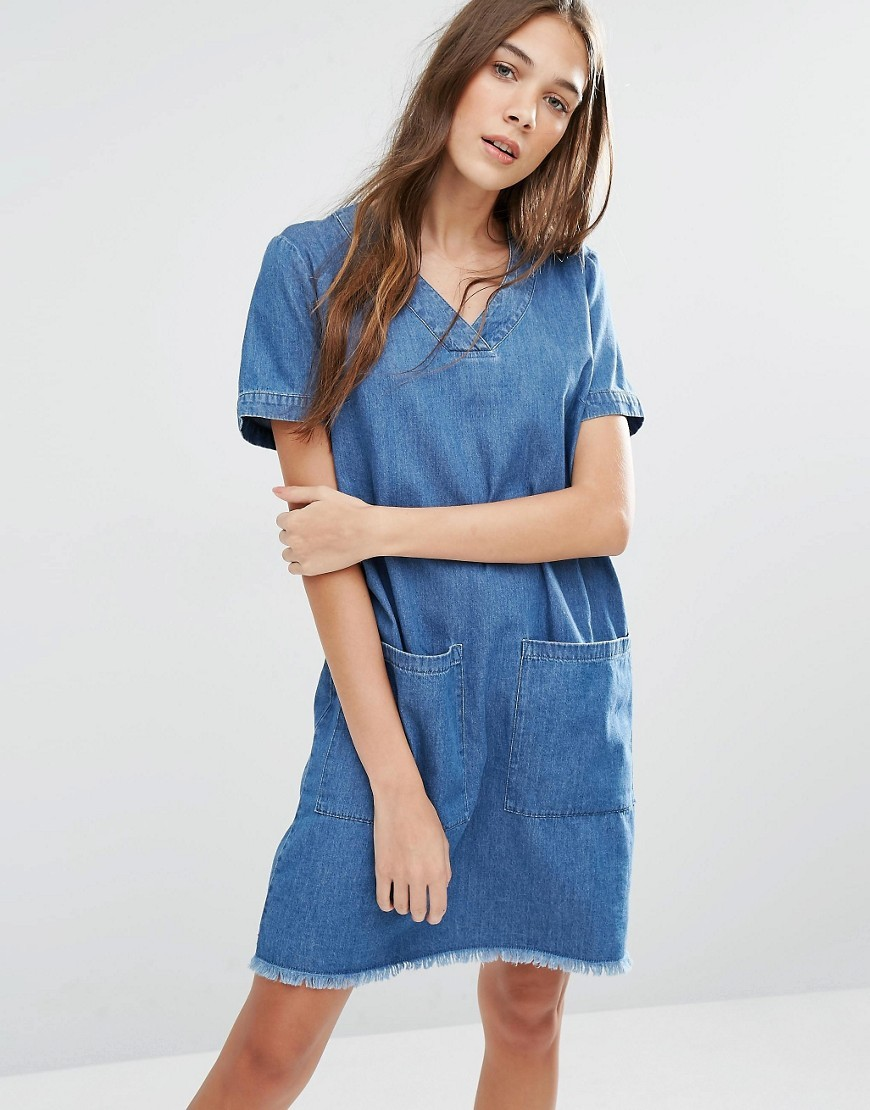 Tunic Dress With Raw Hem And Oversized Pockets Light Indigo - style: shift; neckline: v-neck; pattern: plain; predominant colour: diva blue; occasions: casual; length: just above the knee; fit: body skimming; fibres: cotton - 100%; sleeve length: short sleeve; sleeve style: standard; texture group: denim; pattern type: fabric; season: s/s 2016; wardrobe: highlight