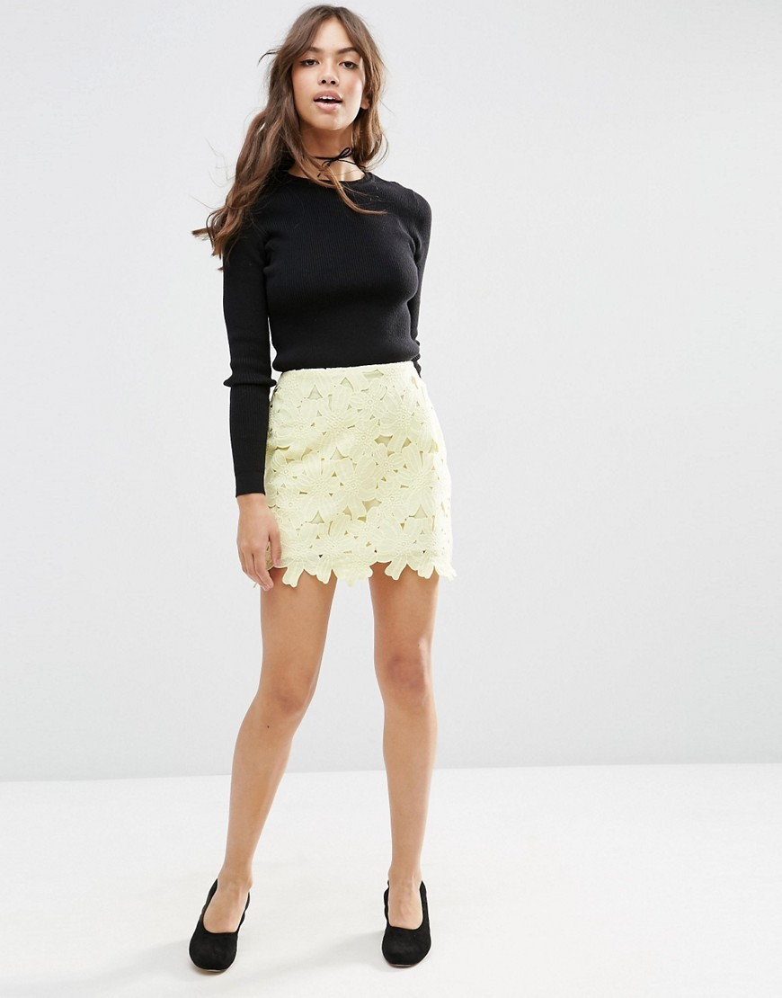 Lace Mini Skirt With Scalloped Hem Yellow - length: mini; fit: body skimming; waist: mid/regular rise; predominant colour: primrose yellow; occasions: casual; style: mini skirt; fibres: polyester/polyamide - 100%; texture group: lace; pattern type: fabric; pattern: patterned/print; season: s/s 2016