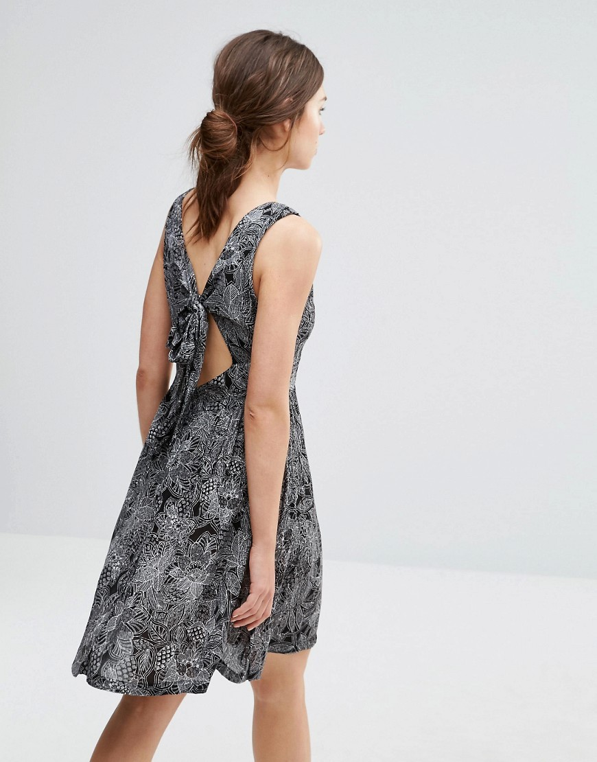 Print Tie Back Dress Black - neckline: round neck; sleeve style: sleeveless; style: sundress; back detail: tie at back; predominant colour: black; secondary colour: black; occasions: casual; length: just above the knee; fit: body skimming; fibres: viscose/rayon - 100%; sleeve length: sleeveless; pattern type: fabric; pattern: patterned/print; texture group: jersey - stretchy/drapey; season: s/s 2016; wardrobe: highlight