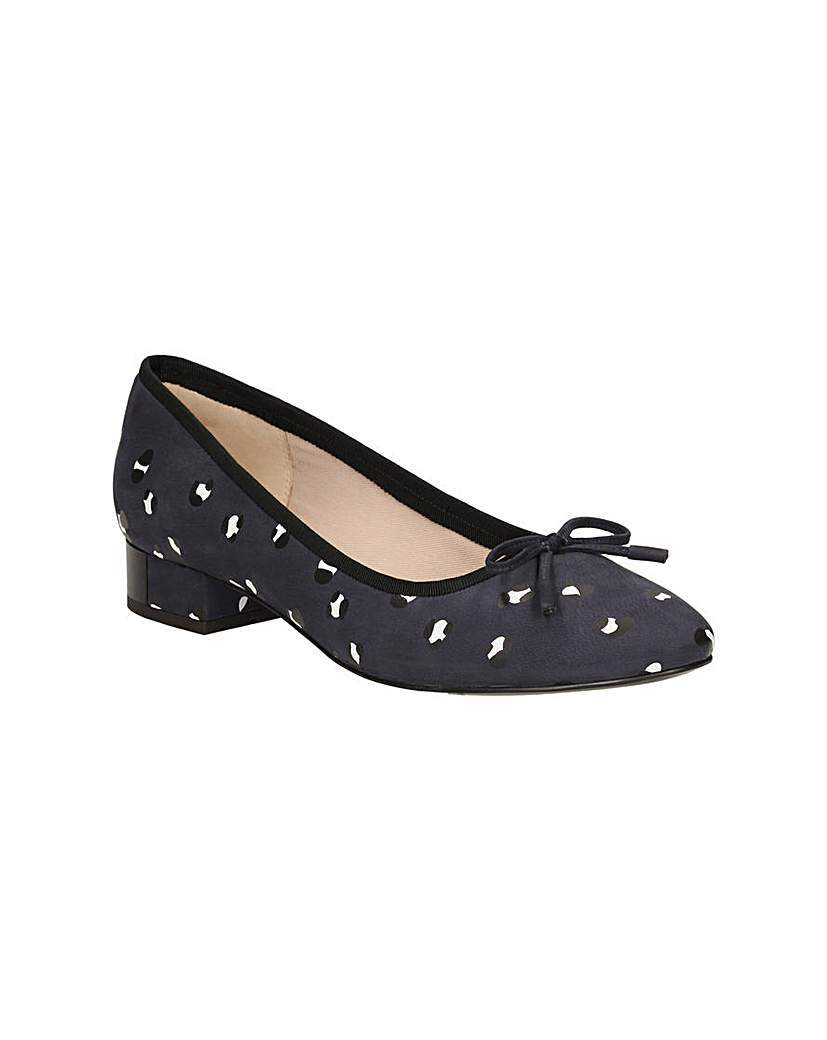 Eliberry Isla Shoes - predominant colour: black; occasions: casual, creative work; material: fabric; heel height: mid; heel: block; toe: round toe; style: courts; finish: plain; pattern: patterned/print; season: s/s 2016