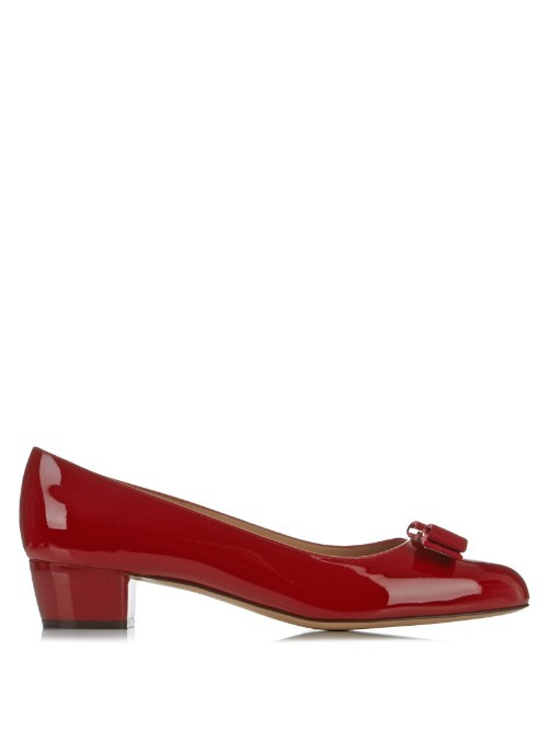 Vara C Patent Leather Pumps - predominant colour: true red; occasions: occasion, creative work; material: leather; heel height: mid; heel: block; toe: round toe; style: courts; finish: patent; pattern: plain; embellishment: bow; season: s/s 2016