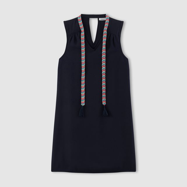 Denna V Neck Shift Dress - style: shift; neckline: v-neck; pattern: plain; sleeve style: sleeveless; hip detail: draws attention to hips; predominant colour: black; occasions: evening; length: just above the knee; fit: body skimming; fibres: polyester/polyamide - 100%; sleeve length: sleeveless; pattern type: fabric; texture group: other - light to midweight; season: s/s 2016; wardrobe: event