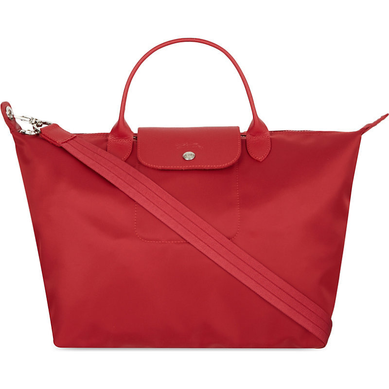 Le Pliage Medium Shopper, Women's, Red - predominant colour: true red; occasions: casual, creative work; type of pattern: standard; style: tote; length: handle; size: oversized; material: fabric; pattern: plain; finish: plain; season: s/s 2016; wardrobe: highlight