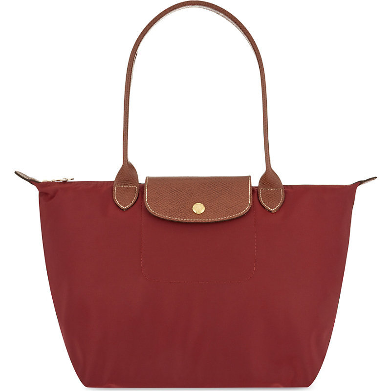 Le Pliage Small Shopper, Women's, Garnet Red - predominant colour: burgundy; secondary colour: tan; occasions: casual, creative work; type of pattern: standard; style: tote; length: shoulder (tucks under arm); size: standard; material: fabric; finish: plain; pattern: colourblock; season: s/s 2016; wardrobe: highlight