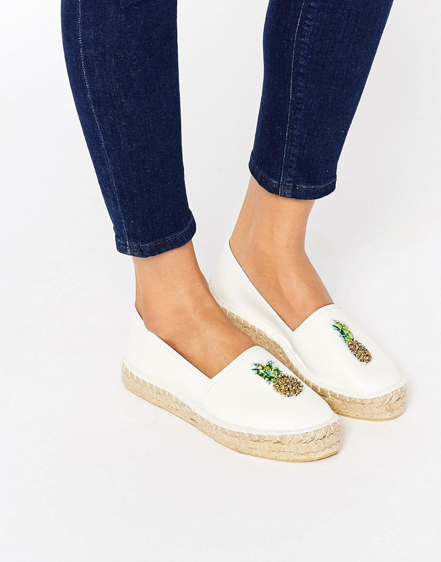 Jelly Bean Pineapple Espadrilles Pineapple - predominant colour: white; occasions: casual, holiday; material: faux leather; heel height: flat; embellishment: embroidered; toe: round toe; finish: plain; pattern: plain; style: espadrilles; season: s/s 2016; wardrobe: highlight