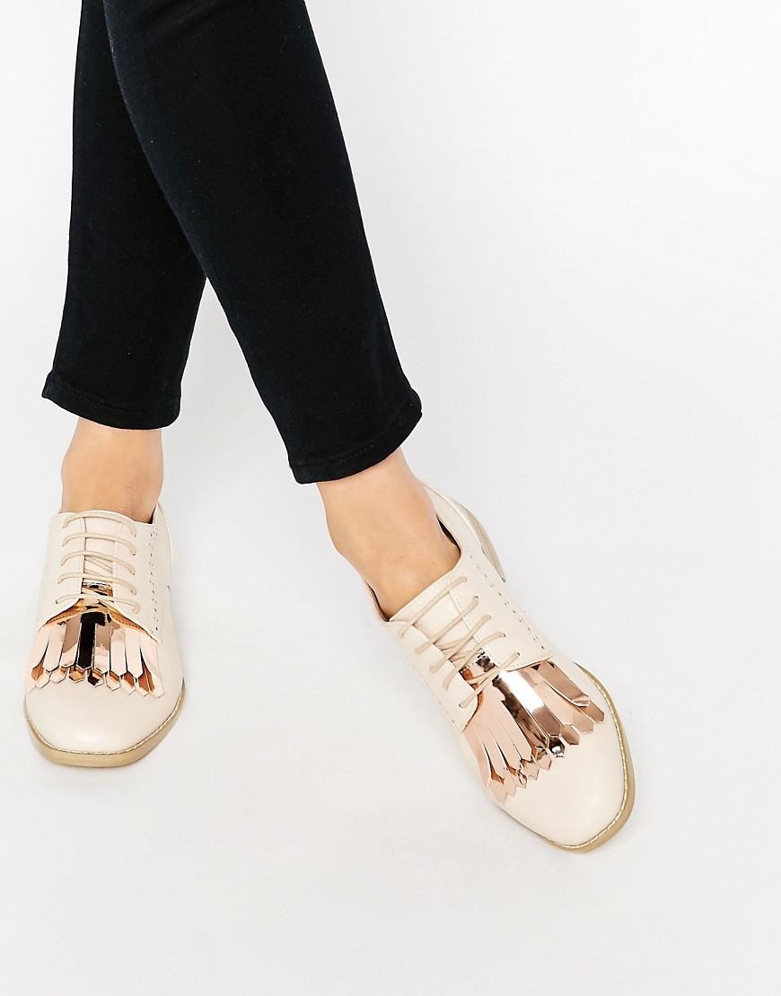 Missouri Fringed Brogues Nude - predominant colour: ivory/cream; secondary colour: gold; occasions: casual, creative work; material: faux leather; heel height: flat; toe: round toe; style: loafers; finish: plain; pattern: plain; embellishment: fringing; season: s/s 2016