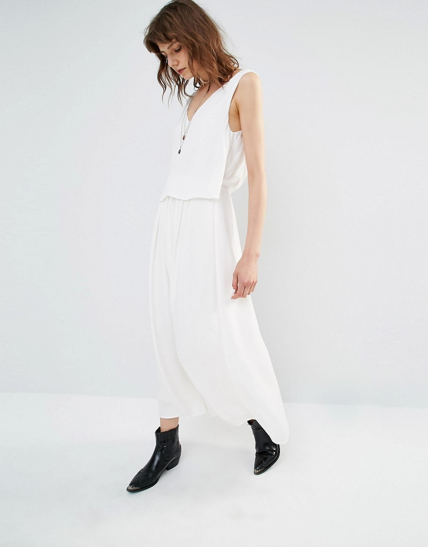 Layered Cami Maxi Dress White - neckline: low v-neck; pattern: plain; sleeve style: sleeveless; style: maxi dress; length: ankle length; predominant colour: ivory/cream; occasions: casual; fit: soft a-line; fibres: polyester/polyamide - 100%; hip detail: subtle/flattering hip detail; sleeve length: sleeveless; texture group: crepes; pattern type: fabric; season: s/s 2016; wardrobe: basic