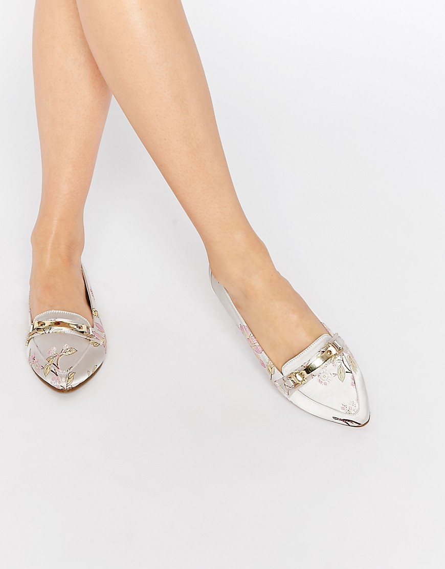 Make A Hit Pointed Loafers Multi - predominant colour: ivory/cream; occasions: casual, creative work; material: fabric; heel height: flat; embellishment: snaffles; toe: pointed toe; style: loafers; finish: plain; pattern: animal print; season: s/s 2016; wardrobe: highlight