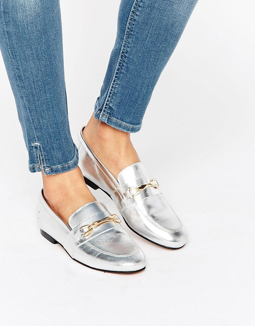 Movement Leather Loafers Silver - predominant colour: silver; occasions: casual, creative work; material: leather; heel height: flat; toe: round toe; style: loafers; finish: metallic; pattern: plain; season: s/s 2016; wardrobe: basic