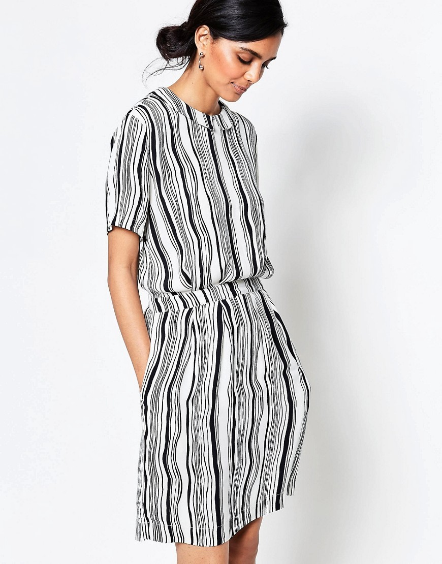Nairobi Crepe Wavey Striped Dress With Cinched Waist White Smoke/Black - style: shift; pattern: vertical stripes; waist detail: fitted waist; hip detail: draws attention to hips; secondary colour: white; predominant colour: mid grey; occasions: evening; length: just above the knee; fit: body skimming; fibres: viscose/rayon - 100%; neckline: crew; sleeve length: short sleeve; sleeve style: standard; texture group: crepes; pattern type: fabric; multicoloured: multicoloured; season: s/s 2016; wardrobe: event