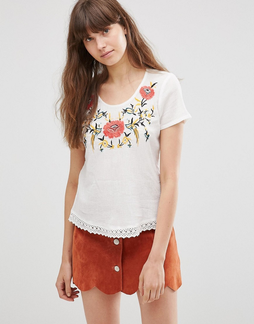 Floral Short Sleeve T Shirt Snow White - neckline: round neck; style: t-shirt; predominant colour: white; secondary colour: coral; occasions: casual, holiday; length: standard; fibres: cotton - stretch; fit: straight cut; sleeve length: short sleeve; sleeve style: standard; pattern type: fabric; pattern: patterned/print; texture group: jersey - stretchy/drapey; season: s/s 2016; wardrobe: highlight