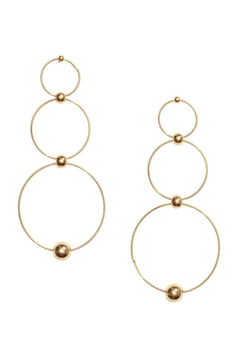 Long Earrings - predominant colour: gold; occasions: evening, occasion, creative work; style: drop; length: long; size: standard; material: chain/metal; fastening: pierced; finish: plain; season: s/s 2016; wardrobe: highlight