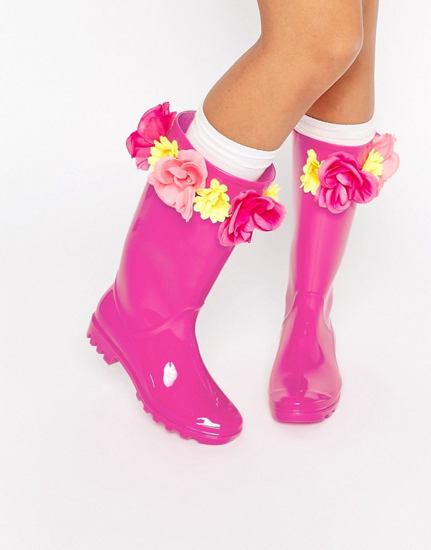 Garland Wellies Cherry Pink - predominant colour: hot pink; occasions: casual; material: plastic/rubber; heel height: flat; heel: standard; toe: round toe; boot length: knee; style: wellies; finish: plain; pattern: plain; season: s/s 2016; wardrobe: highlight