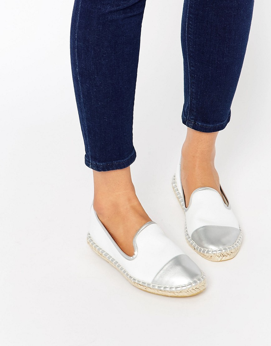 Jazzlyn Espadrilles White/Silver - predominant colour: white; secondary colour: silver; occasions: casual, holiday; material: fabric; heel height: flat; toe: round toe; style: ballerinas / pumps; finish: plain; pattern: plain; embellishment: toe cap; season: s/s 2016