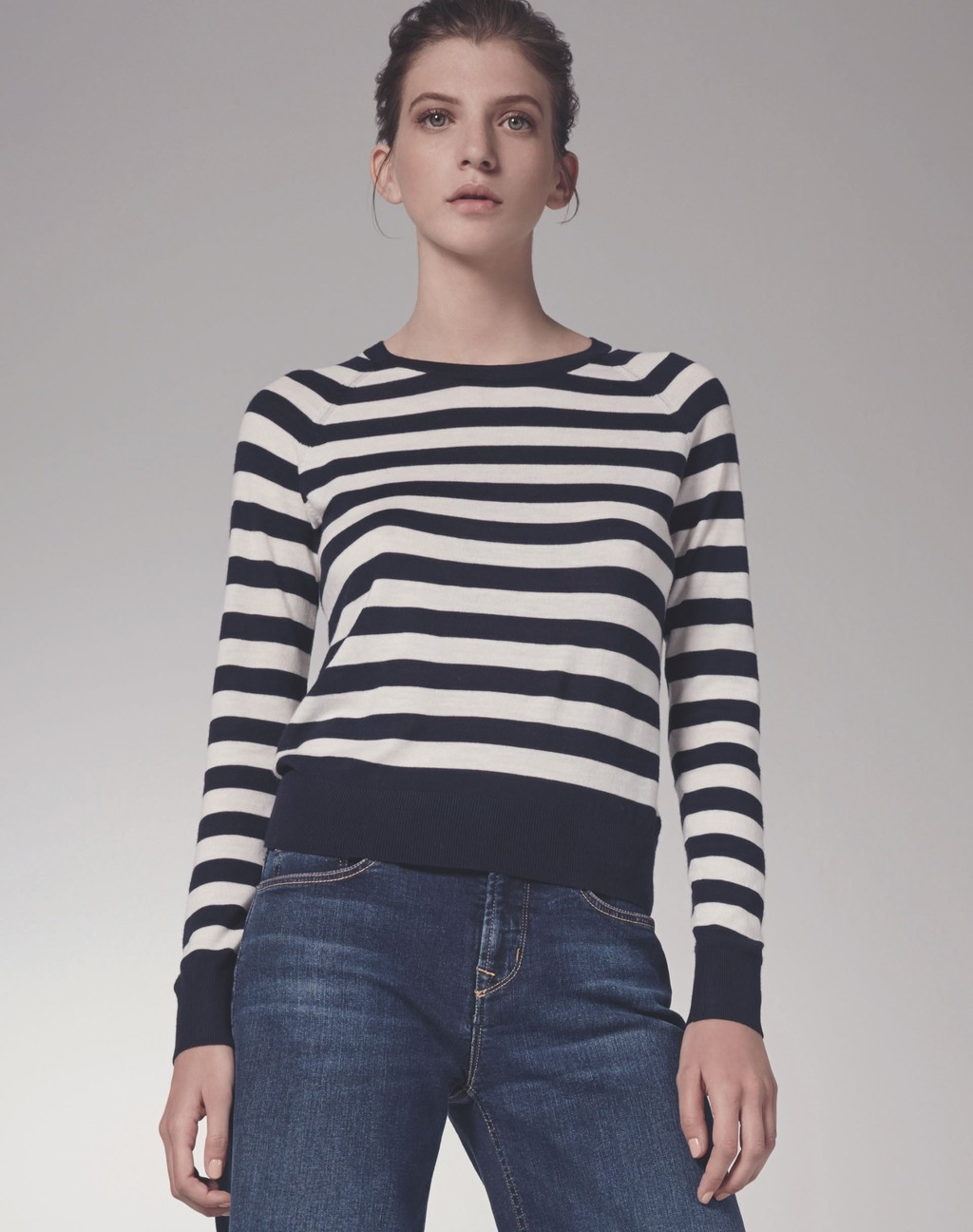 Stripe Raglan Crew - pattern: horizontal stripes; style: sweat top; predominant colour: white; secondary colour: black; occasions: casual, work, creative work; length: standard; fibres: wool - 100%; fit: body skimming; neckline: crew; sleeve length: long sleeve; sleeve style: standard; texture group: knits/crochet; pattern type: knitted - fine stitch; multicoloured: multicoloured; season: s/s 2016; wardrobe: basic