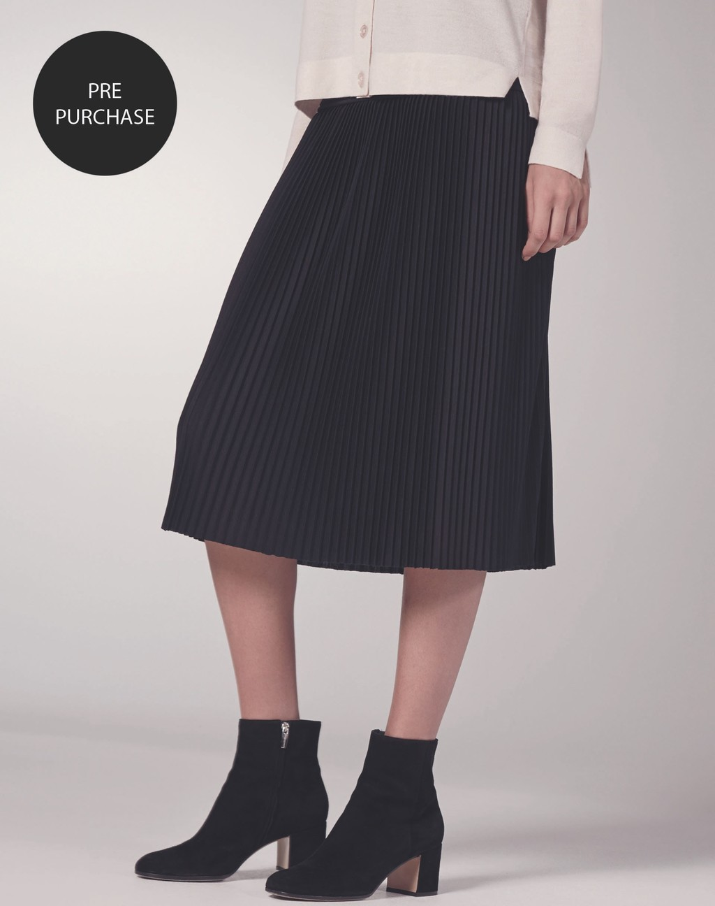 Pleated Skirt Black - length: below the knee; pattern: plain; fit: loose/voluminous; style: pleated; waist: high rise; predominant colour: black; occasions: work, creative work; fibres: polyester/polyamide - 100%; pattern type: fabric; texture group: woven light midweight; season: s/s 2016; wardrobe: basic
