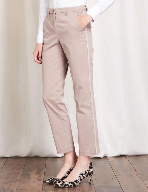 Bella Chino Trouser Nutmeg Women, Nutmeg - length: standard; pattern: plain; waist: mid/regular rise; predominant colour: stone; occasions: casual; fibres: cotton - stretch; texture group: cotton feel fabrics; fit: straight leg; pattern type: fabric; style: standard; season: s/s 2016; wardrobe: basic